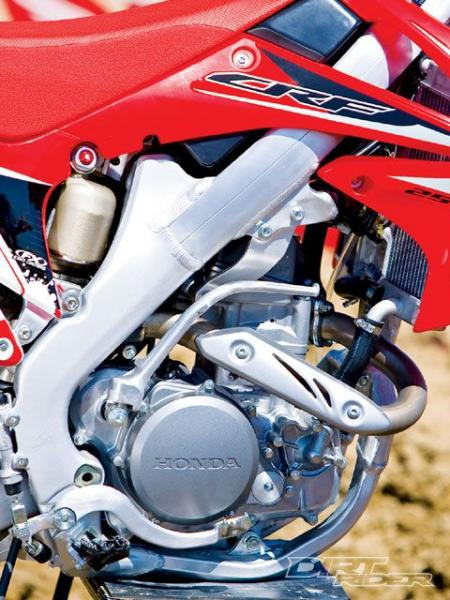 141_0911_02_z+2010_honda_CRF250R+engine_side_view.jpg