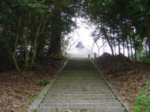 美津気神社石段縮小