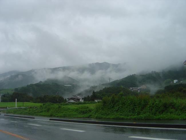 雨に煙る山1縮小