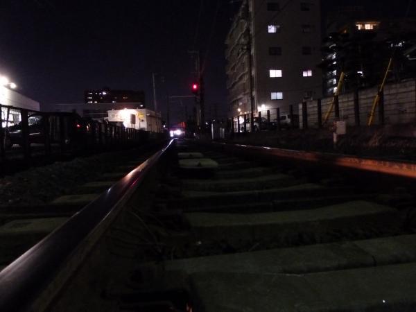 夜の久米駅線路縮小3