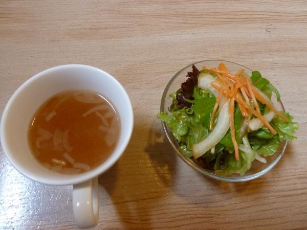オニオンスープとサラダ4