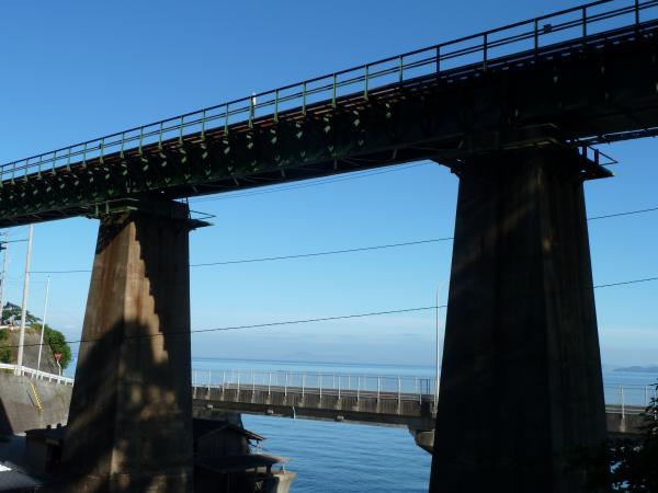 鉄橋と伊予灘4