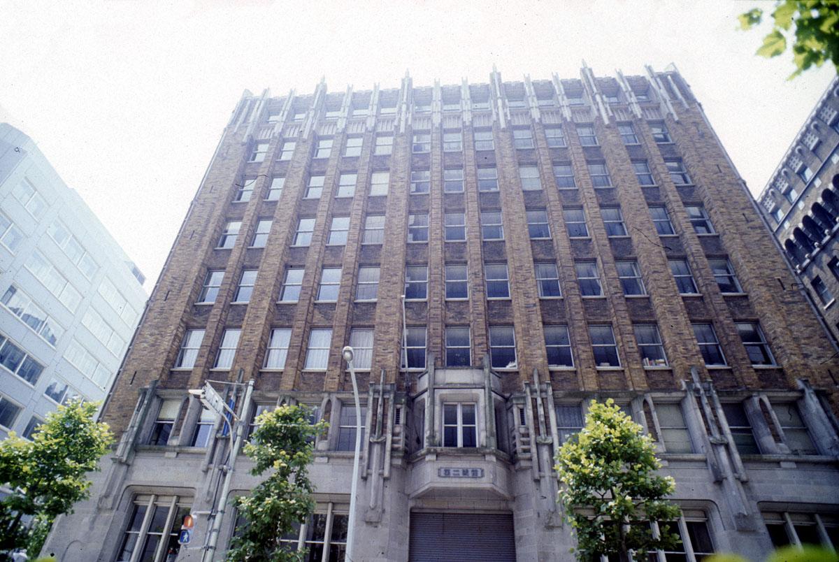 osaka building 2