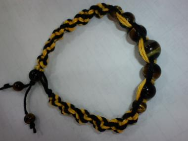 黄色と黒の螺旋