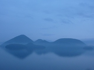 洞爺湖朝霧