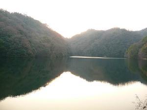 布引ダム_湖