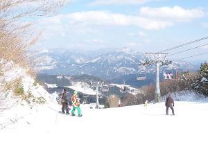 ハチ北でスキー