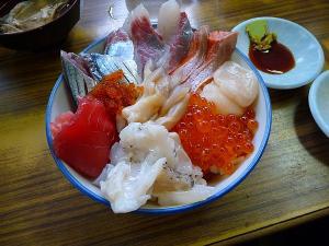 マルトマ食堂海鮮丼