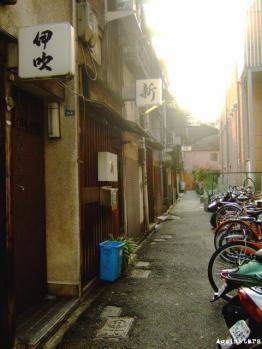 shinsaibashi01d.jpg