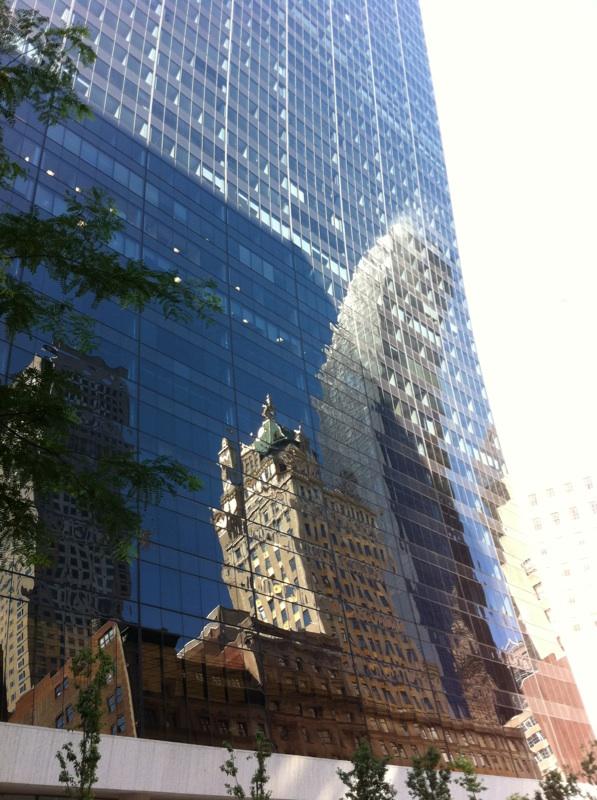 IMG_0281ニューヨークのビルにビルが写って