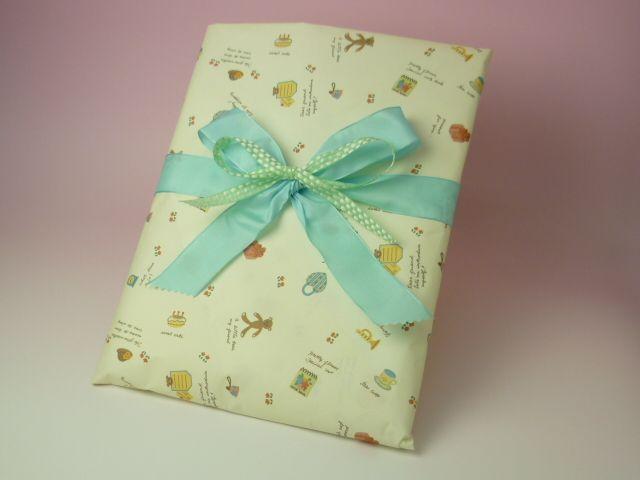 【テーマ】出産祝い3 ベビードレス(織茂さん)