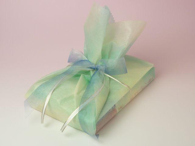 【テーマ】出産祝い5 子育てハッピーアドバイス(伏見さん)