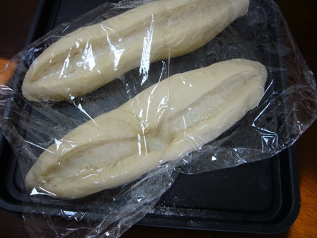 踏まれたフランスパン1