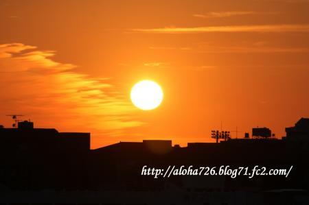 秋晴れの夕日