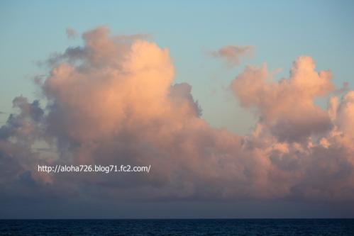 夕焼けを浴びた雲たち