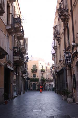 朝のメインストリート