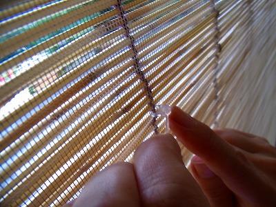 すだれの紐を網戸にやわらかい留具「プニョットピン」e