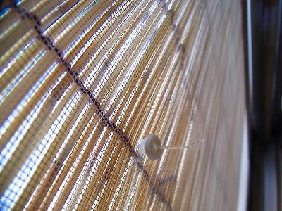 すだれの紐を網戸にやわらかい留具「プニョットピン」c