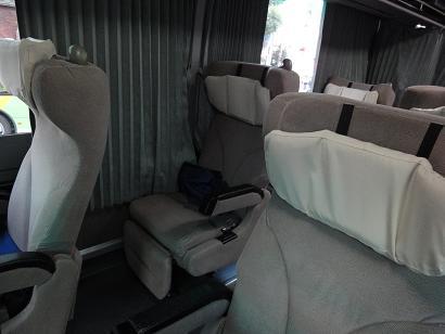 3列シートのJRバス