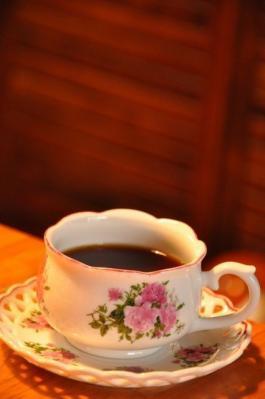 927 コーヒーカップ薔薇柄 右