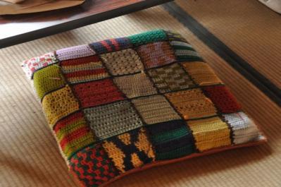 吉井町 手編みの座布団