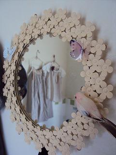 鏡越しの洋服