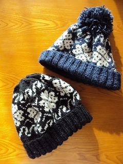 母の手編み帽子たち