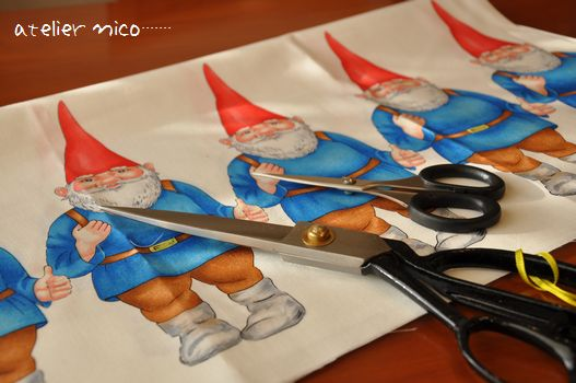 Santaの生地と鋏