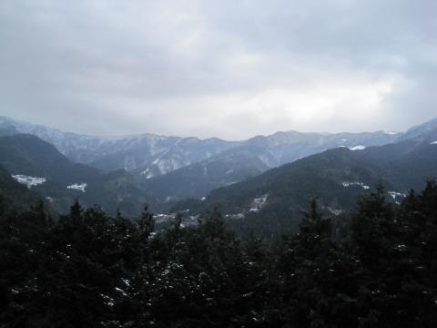 旧三野町から見た剣山系の夕景色
