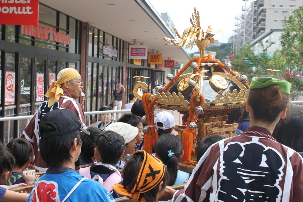 2011-09-11小豆澤神社例大祭子供みこし渡御1