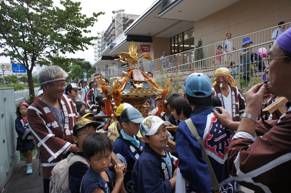 2011-09-11小豆澤神社例大祭子供みこし渡御3