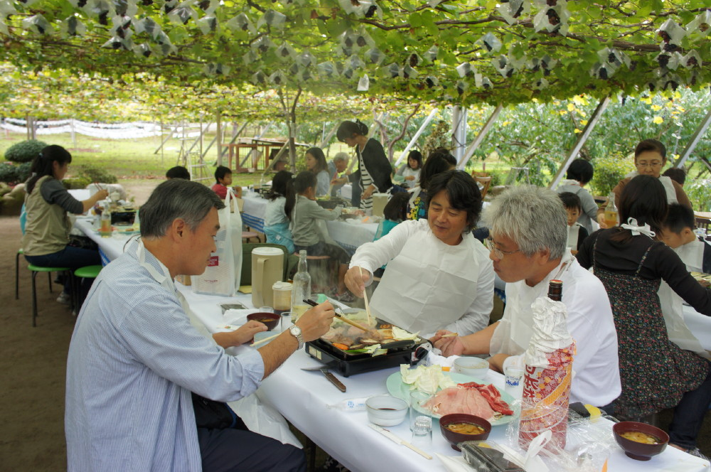 2011-10-23親子ぶどう狩りバーベキュー