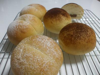 ハイジの白パン&チョコパン
