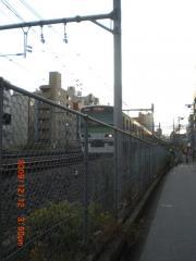 駒込駅に向かう山手線の列車