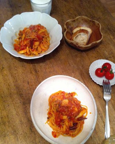 ハムとキノコのトマトパスタ