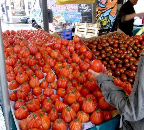 マルシェのトマト