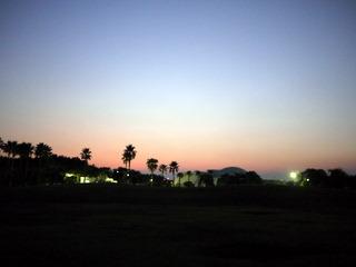 夕暮れの辻堂海浜公園。
