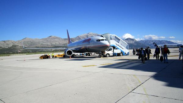 s10-2080dubrovnik-airport.jpg