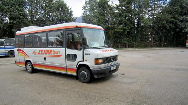 s10-minibus-2464.jpg
