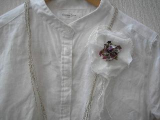 corsage_blouse.jpg