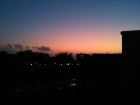 13200427テラスから夕陽