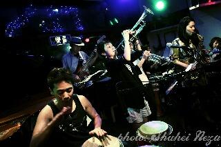 20110530_JazzBata914.JPG_effected小