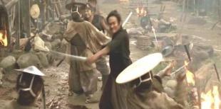 剣豪・平山九十郎、二刀流で斬りまくる