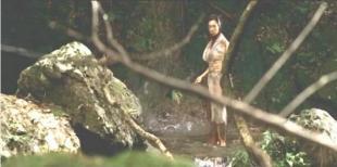 偶然、刺客の男と出会う山の女ウパシ
