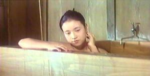 入浴中のアキ