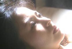 目を覚ました百合江