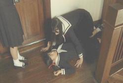 ドアから出てきた祥子に突然、押し倒された祐巳