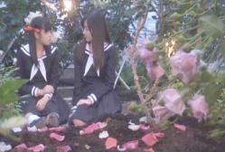 紅薔薇のつばみの中の祥子と祐巳