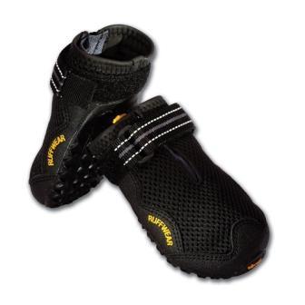 boots_black.jpg