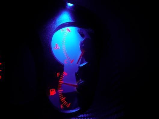 スピードメーターイルミ 自作LED化取り付け (4)